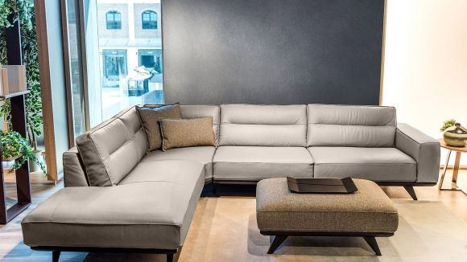 Canapea cu sezlong stanga Adrenalina textil culoarea Tortora